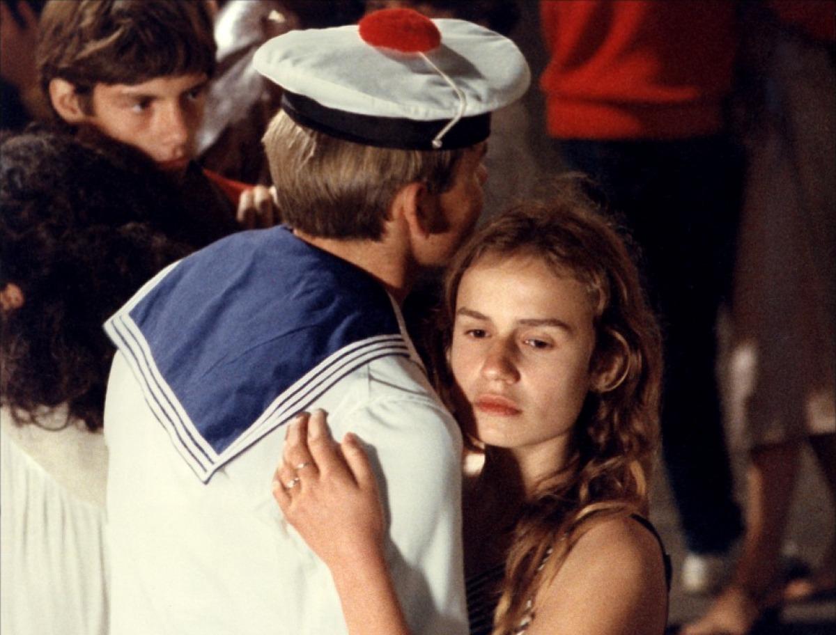 Взрослые фильмы французские, фото девушки лесбиянки дрочат член