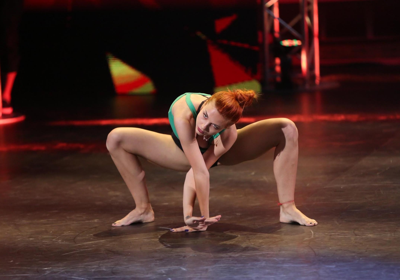 Тёлки на танцах, Порно танцы видео HD бесплатно гиг порно 25 фотография